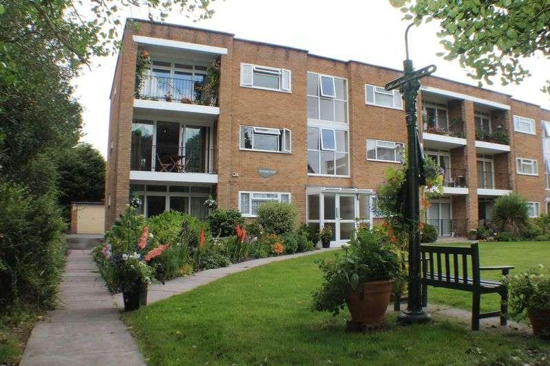 2 Bedrooms Flat for sale in Westwood Court, Prenton