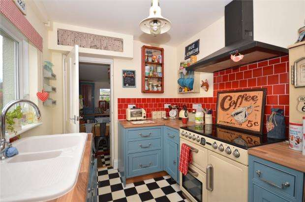 2 Bedrooms End Of Terrace House for sale in Ley Close, Liverton, Newton Abbot, Devon