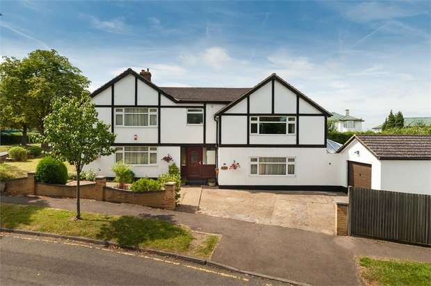4 Bedrooms Detached House for sale in Bassett Close, Sutton, Surrey