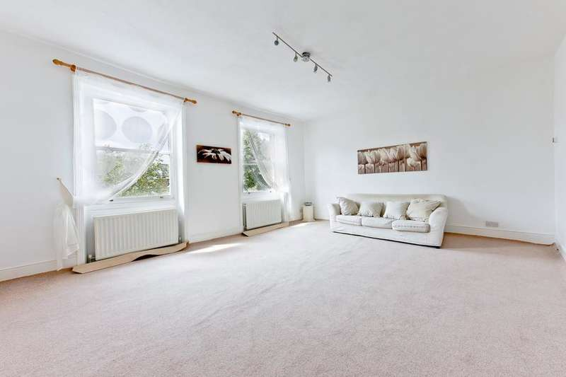 3 Bedrooms Flat for sale in Petherton Road, London N5