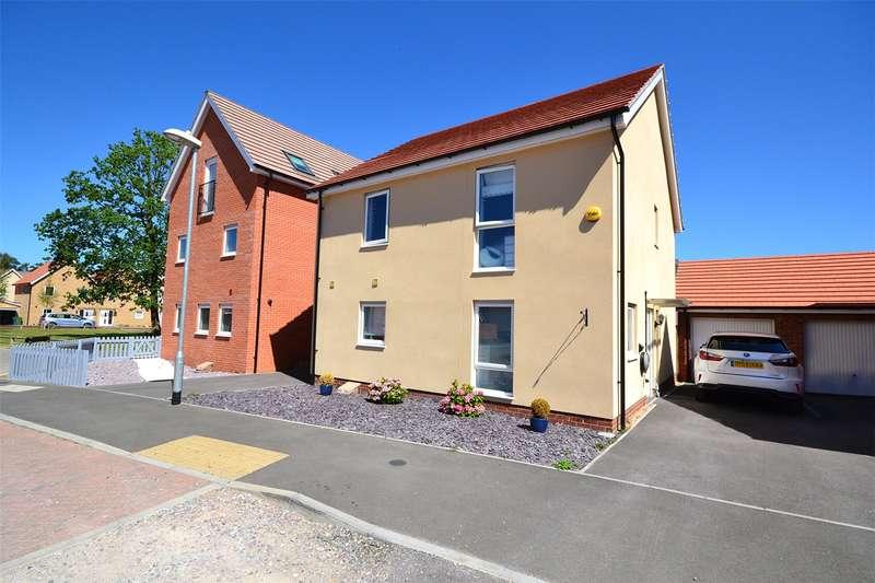 4 Bedrooms Detached House for sale in Jaguar Lane, Bracknell, Berkshire, RG12