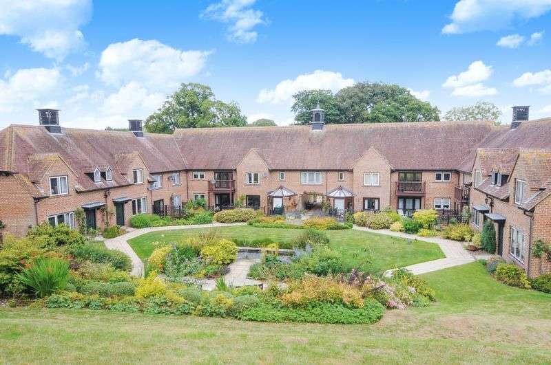 2 Bedrooms Flat for sale in Hildesley Court, Newbury