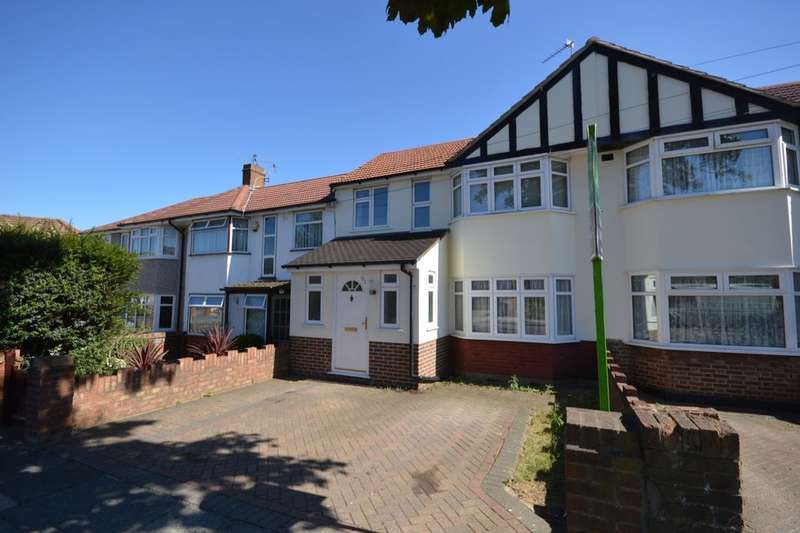 3 Bedrooms Property for sale in Hall Farm Drive, Twickenham, TW2