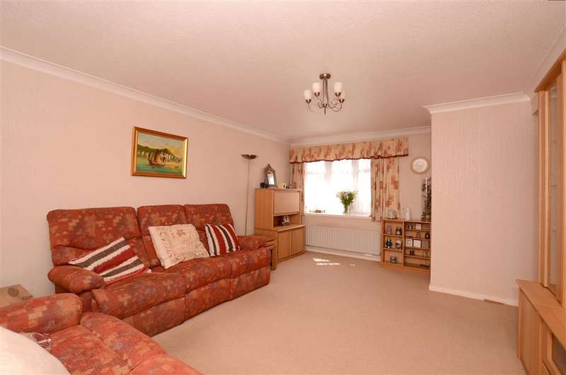 4 Bedrooms Detached House for sale in Grange Way, Southwater, Horsham, West Sussex