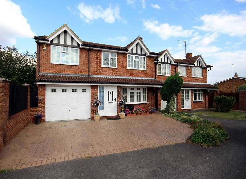 5 Bedrooms Detached House for sale in Denby Dale, Wellingborough, Northamptonshire. NN8 5QR