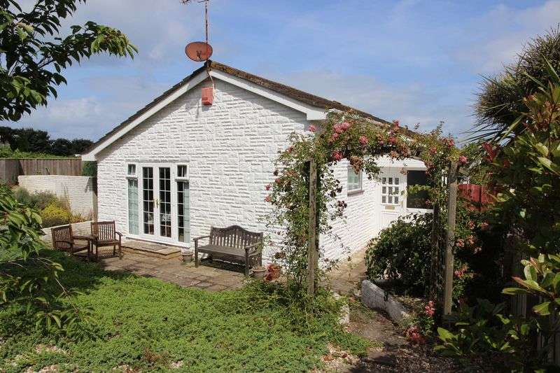 3 Bedrooms Detached Bungalow for sale in Bedowan Meadows, Newquay