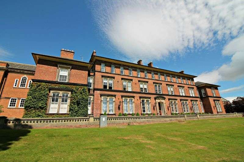 2 Bedrooms Flat for sale in Steven Way, Ripon