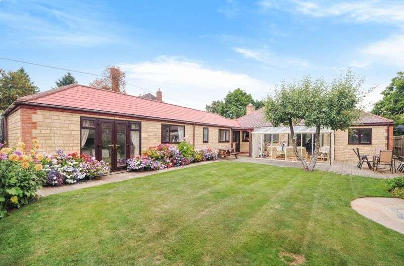 4 Bedrooms Detached Bungalow for sale in Hanney Road, Southmoor