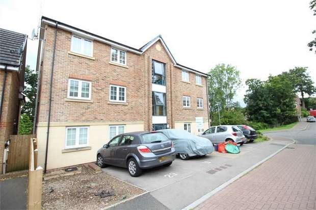 2 Bedrooms Flat for sale in Westfield Gardens, NEWPORT