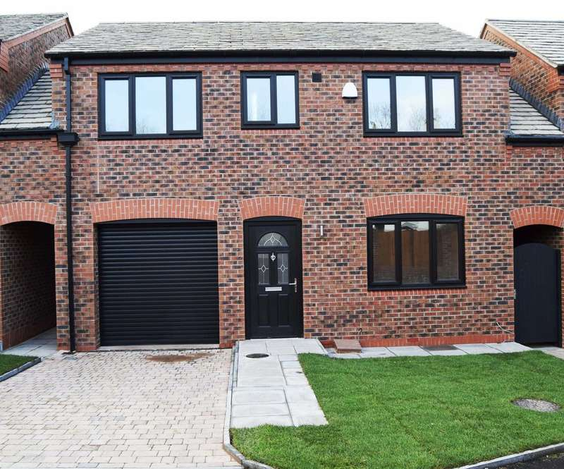 4 Bedrooms Detached House for sale in Daisy Close, Ashton-under-lyne