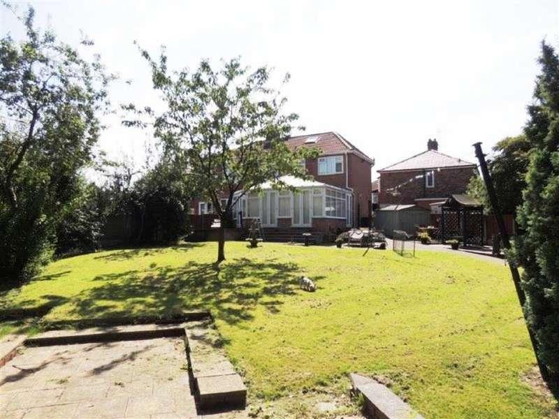 5 Bedrooms Property for sale in Astan Avenue, Droylsden, Manchester