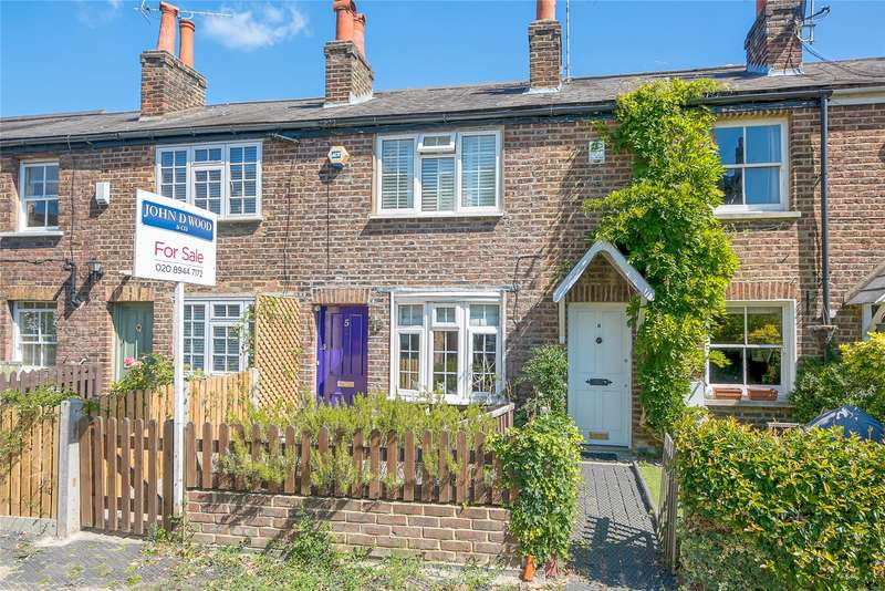 2 Bedrooms Terraced House for sale in Lancaster Place, Wimbledon Village, London, SW19