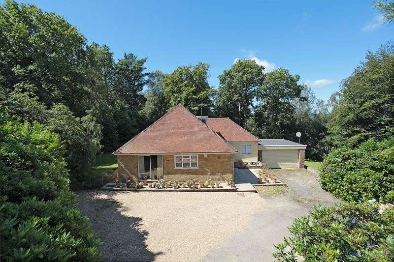 3 Bedrooms Detached Bungalow for sale in Glenmore Road East, Crowborough, East Sussex