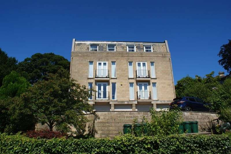 3 Bedrooms Flat for sale in Flat 5, Camden Court, St. Stephens Road, Bath, BA1 5PQ - OPEN HOUSE SAT 27TH AUG 10 - 11am