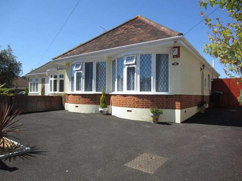 2 Bedrooms Detached Bungalow for sale in MOORDOWN