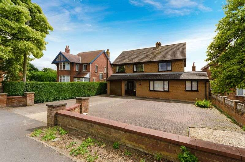 4 Bedrooms Detached House for sale in Station Road, Bardney