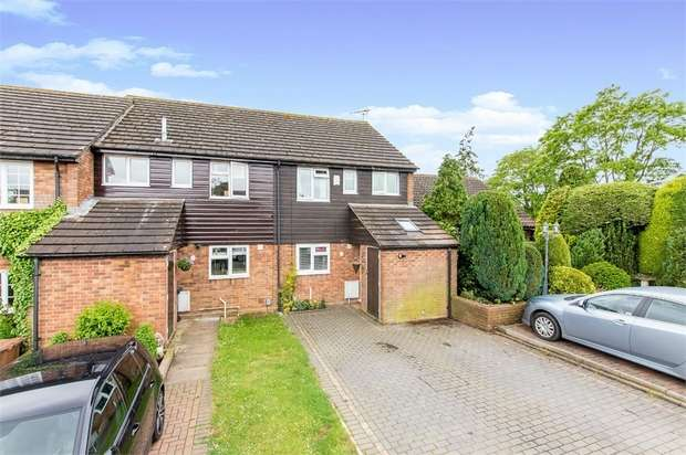 3 Bedrooms Terraced House for sale in Falcon Close, Stevenage, Stevenage, Hertfordshire