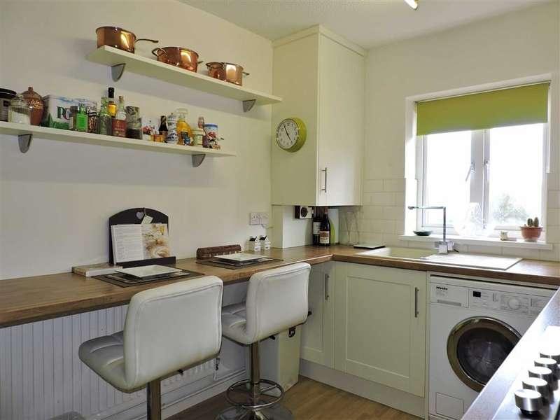 2 Bedrooms Property for sale in Tudor Court, Murton, Swansea