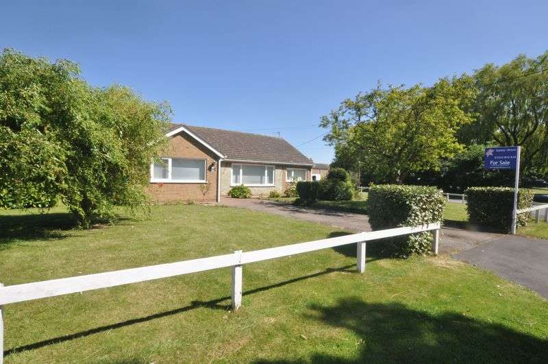 3 Bedrooms Detached Bungalow for sale in Fen Lane, Dunston, Lincoln