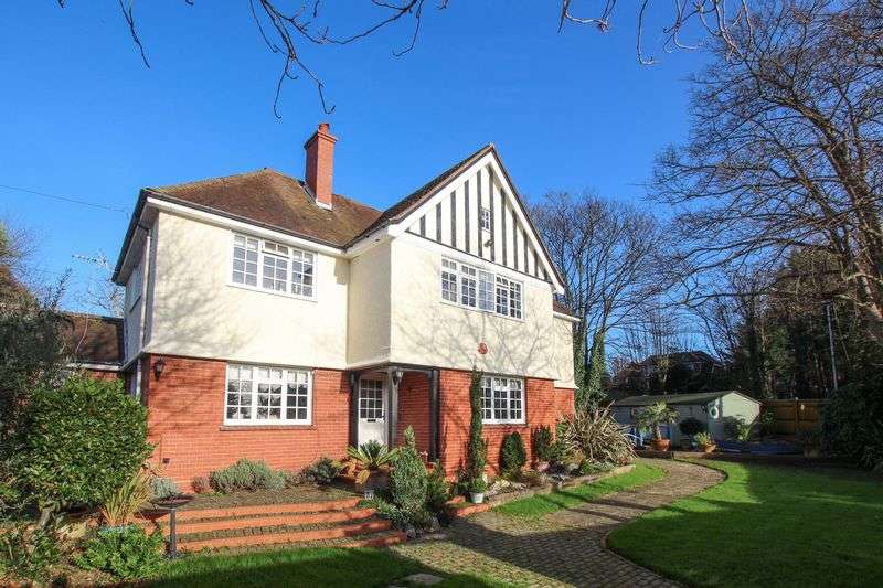 6 Bedrooms Detached House for sale in Bramble Lane, Worthing