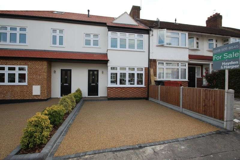 4 Bedrooms Terraced House for sale in Elm Close, Buckhurst Hill