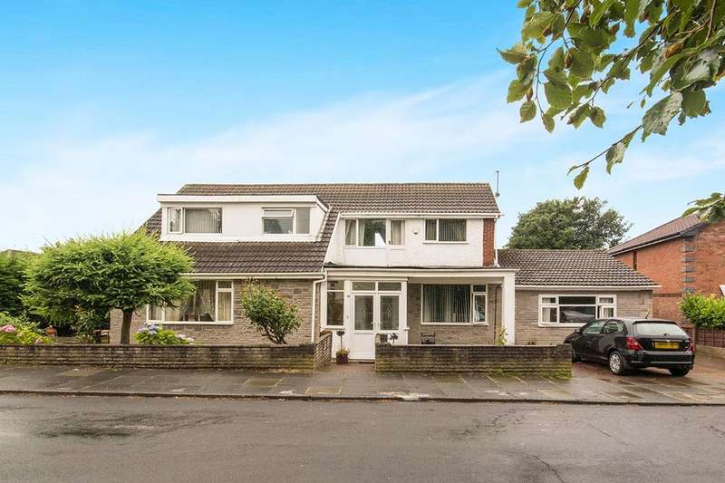 4 Bedrooms Detached House for sale in Hathaway Road, Bury, BL9