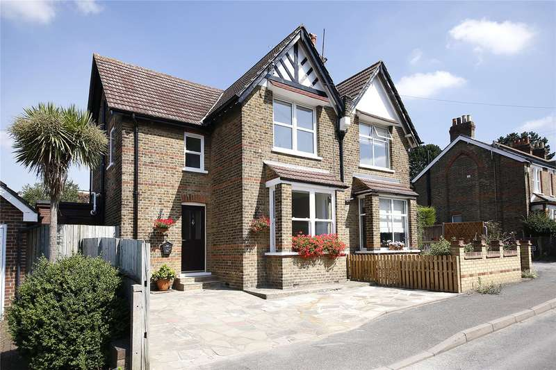 2 Bedrooms Semi Detached House for sale in Blakeney Avenue, Beckenham, Kent