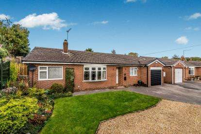 3 Bedrooms Bungalow for sale in Millstone Edge, Cheddleton, Leek, Staffordshire