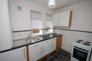 2 Bedrooms Flat for sale in Framfield Road, Uckfield, East Sussex