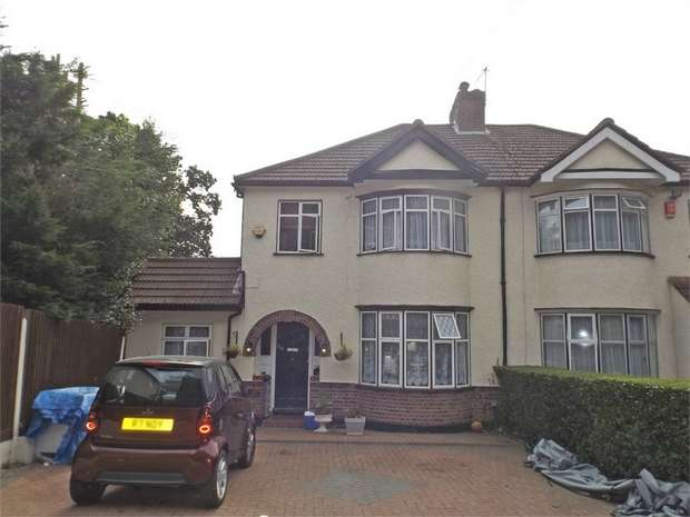 4 Bedrooms Semi Detached House for sale in Elms Road, Harrow, Greater London