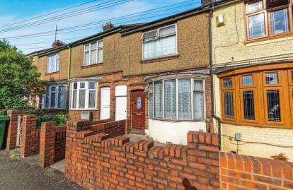 2 Bedrooms Terraced House for sale in Kingsway, Luton, Bedfordshire