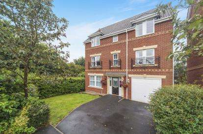 4 Bedrooms Detached House for sale in Fillmore Grove, Widnes, Cheshire, WA8