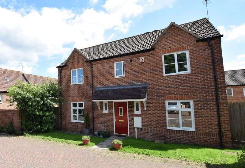 4 Bedrooms Detached House for sale in Hectors Way, Oakham