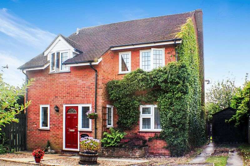 4 Bedrooms Detached House for sale in Cheney Close, Cublington