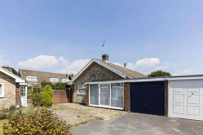 2 Bedrooms Detached Bungalow for sale in Sutton Road, Waterlooville