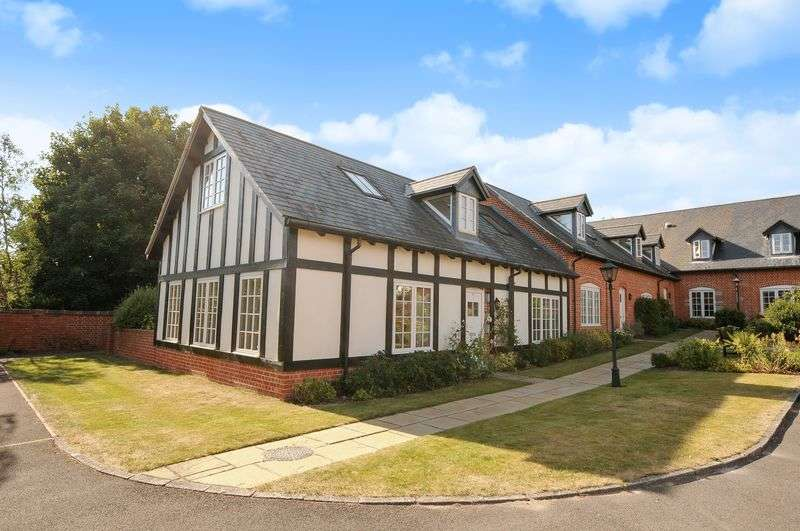 2 Bedrooms Cottage House for sale in Home Farm, Iwerne Minster, Blandford Forum