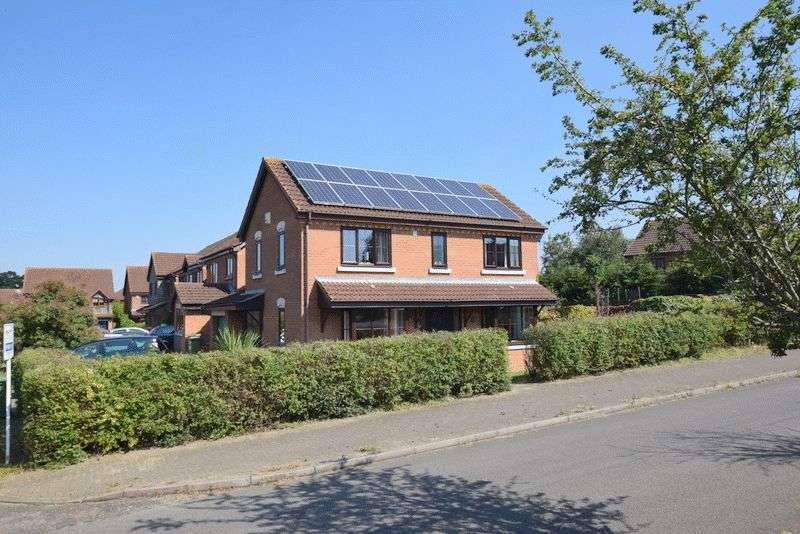 4 Bedrooms Detached House for sale in Maxham, Shenley Brook End, Milton Keynes