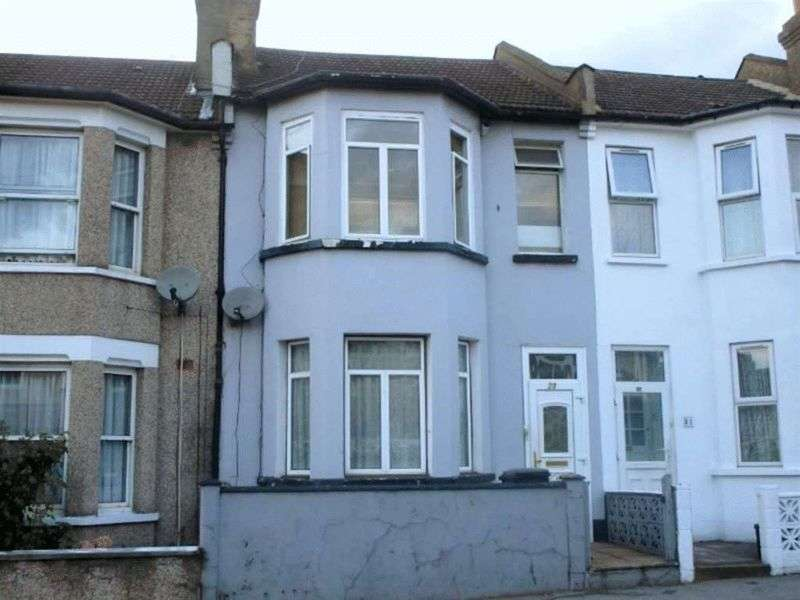 3 Bedrooms Terraced House for sale in Manor Road, London