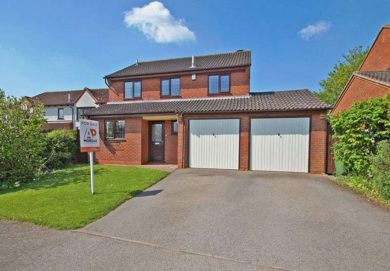 4 Bedrooms Detached House for sale in Ashgrove Close, Marlbrook.