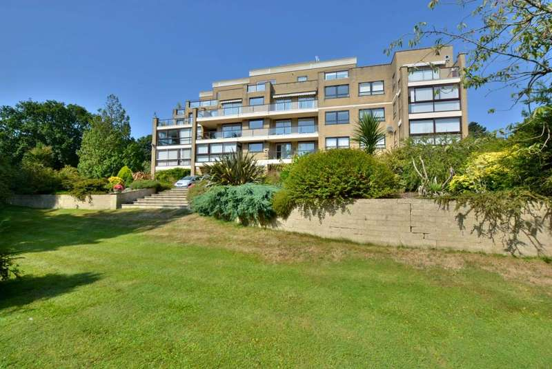3 Bedrooms Apartment Flat for sale in Canford Cliffs, Poole, BH14 8LZ