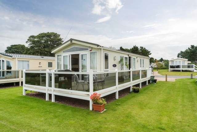 2 Bedrooms Park Home Mobile Home for sale in Forth Bay, Seton Sands Caravan Park, Port Seton, East Lothian, EH32 0QF
