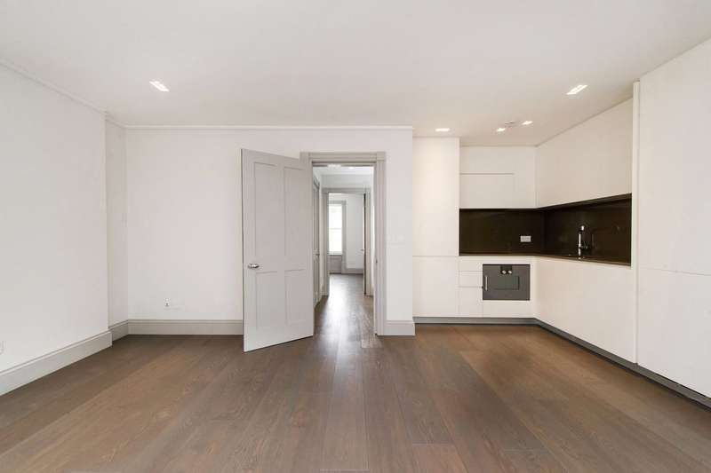 1 Bedroom Flat for sale in Greek Street, London, W1D