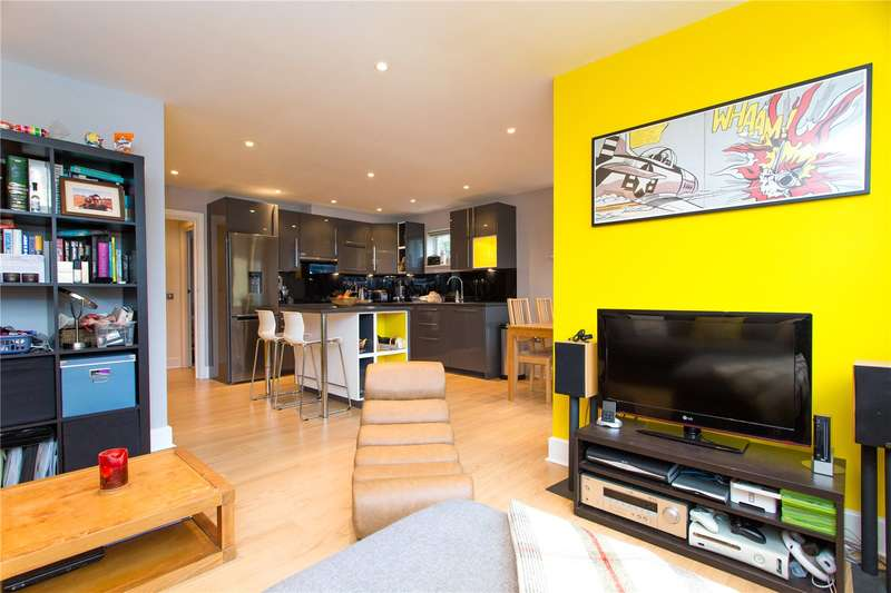 2 Bedrooms Flat for sale in The Optic, Rochelle Close, Battersea, London, SW11