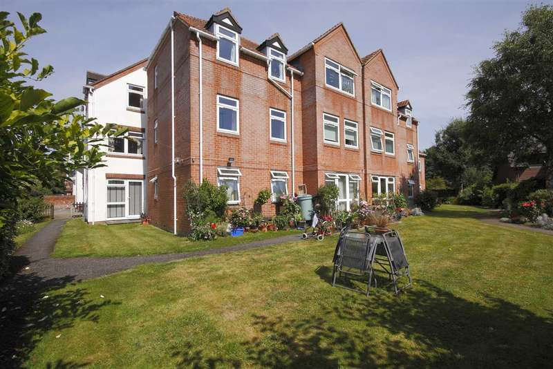 2 Bedrooms Apartment Flat for sale in Mulberry Mead, Whitchurch
