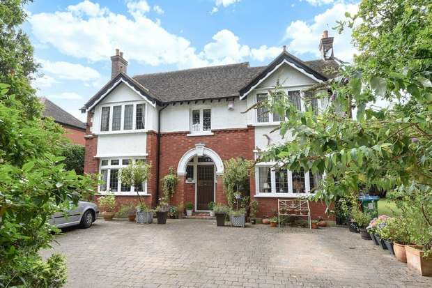 4 Bedrooms Detached House for sale in Wensleydale Road, Hampton