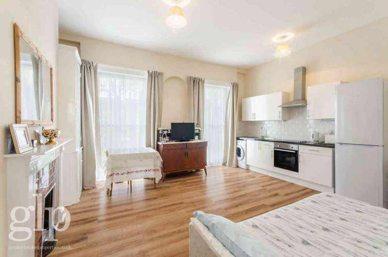 2 Bedrooms Flat for sale in Regent Square, London