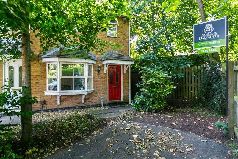 3 Bedrooms Terraced House for sale in Baverstock Close, Ince, WN3 4JR