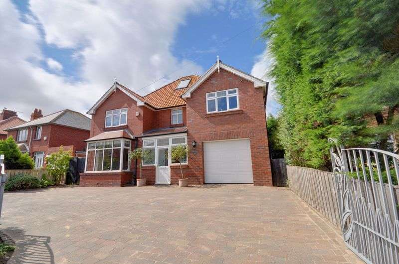 5 Bedrooms Detached House for sale in Love Lane, Whitby
