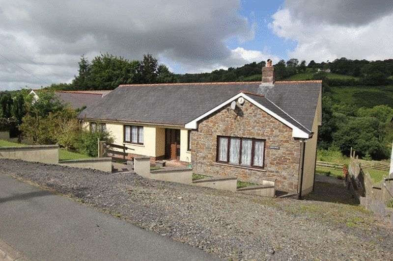 3 Bedrooms Detached Bungalow for sale in PENCADER, CARMARTHENSHIRE