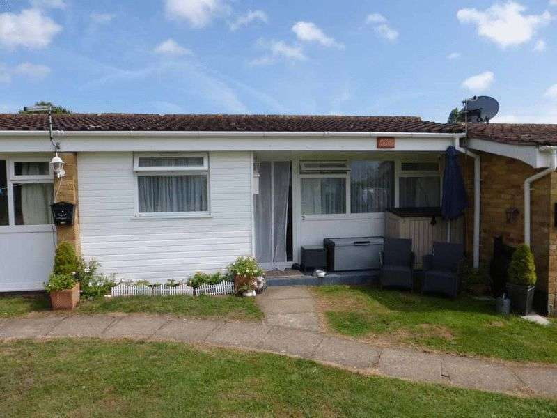2 Bedrooms Terraced House for sale in Burgh Castle